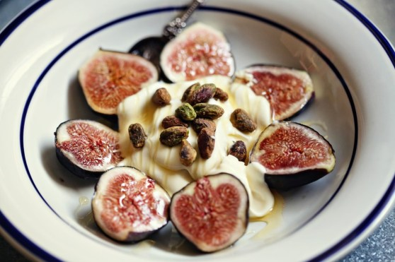figs with creme fraiche, honey and pistachios