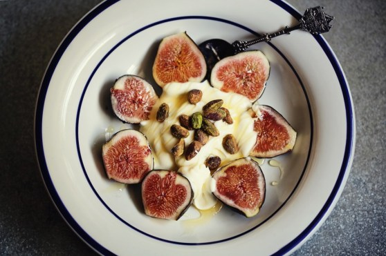 figs with creme fraiche