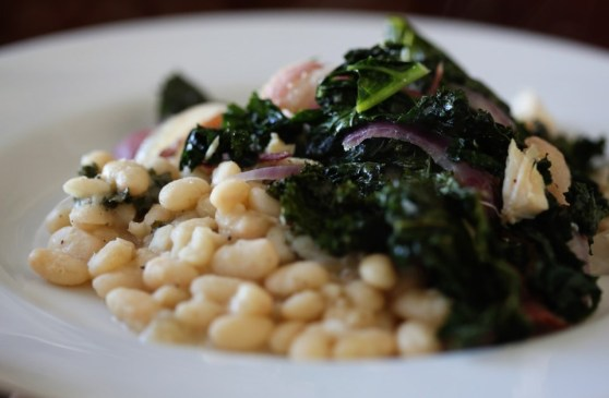 White Beans with Kale, Onion and Bacon