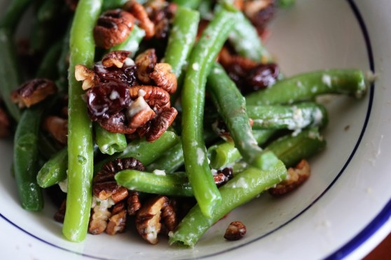 Green Beans with Blue Cheese and Toasted Pecans