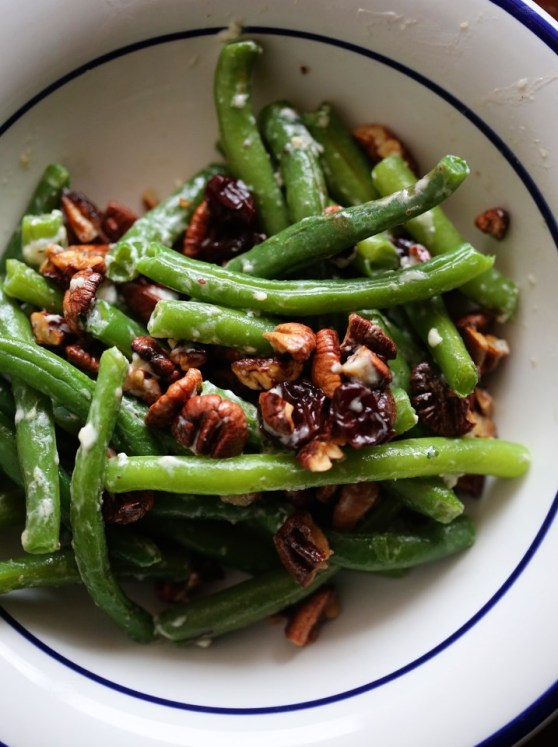 Green Beans with Toasted Pecans and Blue Cheese
