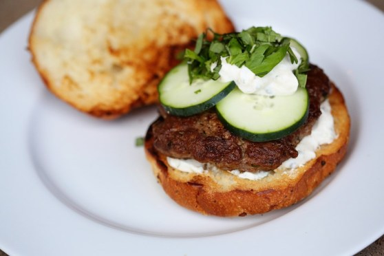 lamb burgers with mint, sour cream and cucumber
